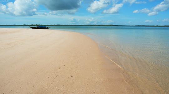 Pulau Tunjuk Batam/seniberjalan.com