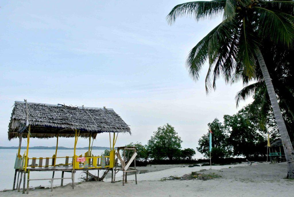 Merayakan tahun baru di Batam di Pulau Mubut darat/seniberjalan.com